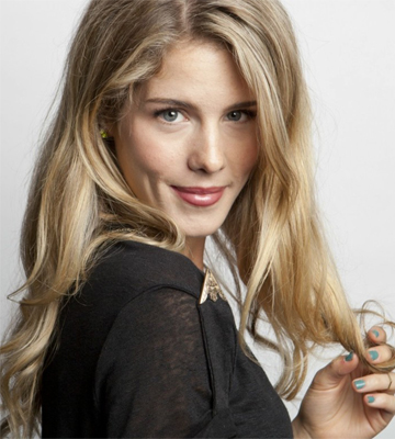 Emily Bett Rickards Verified Contact Details ( Phone Number, Social Profiles) | Profile Info