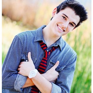 Kenny Holland Verified Contact Details ( Phone Number, Social Profiles) | Profile Info