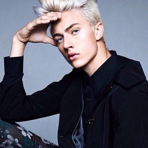 Lucky Blue Smith Verified Contact Details ( Phone Number, Instagram, Twitter, Facebook ) | Profile Info