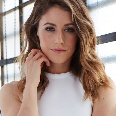 Amanda Crew Verified Contact Details ( Phone Number, Social Profiles) | Profile Info