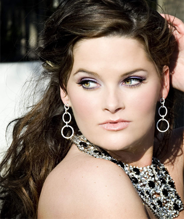 Whitney Thompson Verified Contact Details ( Phone Number, Social Profiles) | Profile Info